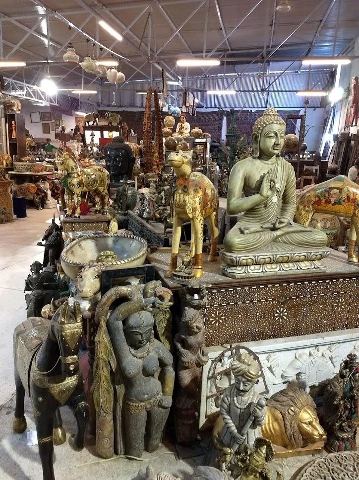 Loja de decoração. Os objetos podem ser enviados para qualquer lugar do mundo