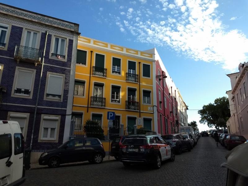 As casas coloridas pelas ruas de Lisboa